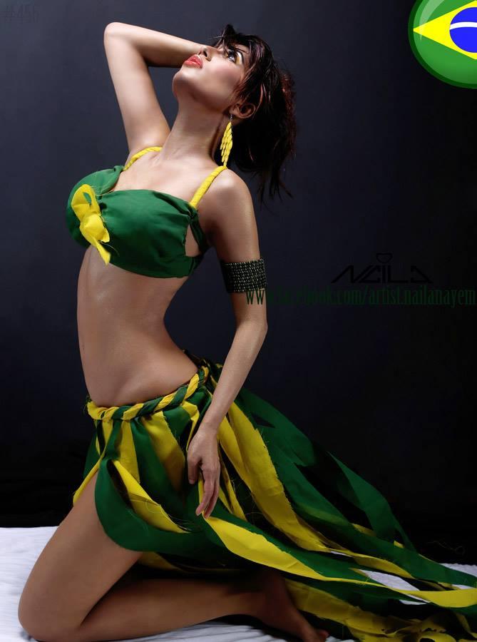 Model : Naila Nayem