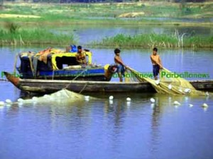 Rangamati fishing man pic01 copy